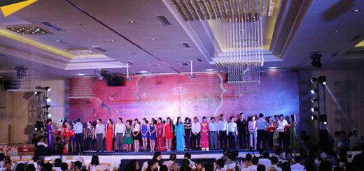 Tổ chức tiệc cuối năm