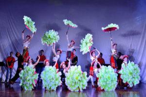 biểu diễn múa nghệ thuật