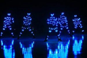nhảy tương tác màn hình led khi tổ chức sự kiện tất niên
