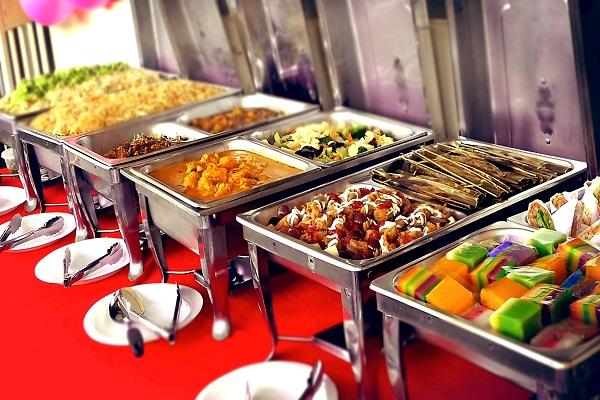 món ăn trong tiệc buffet sự kiện tất niên